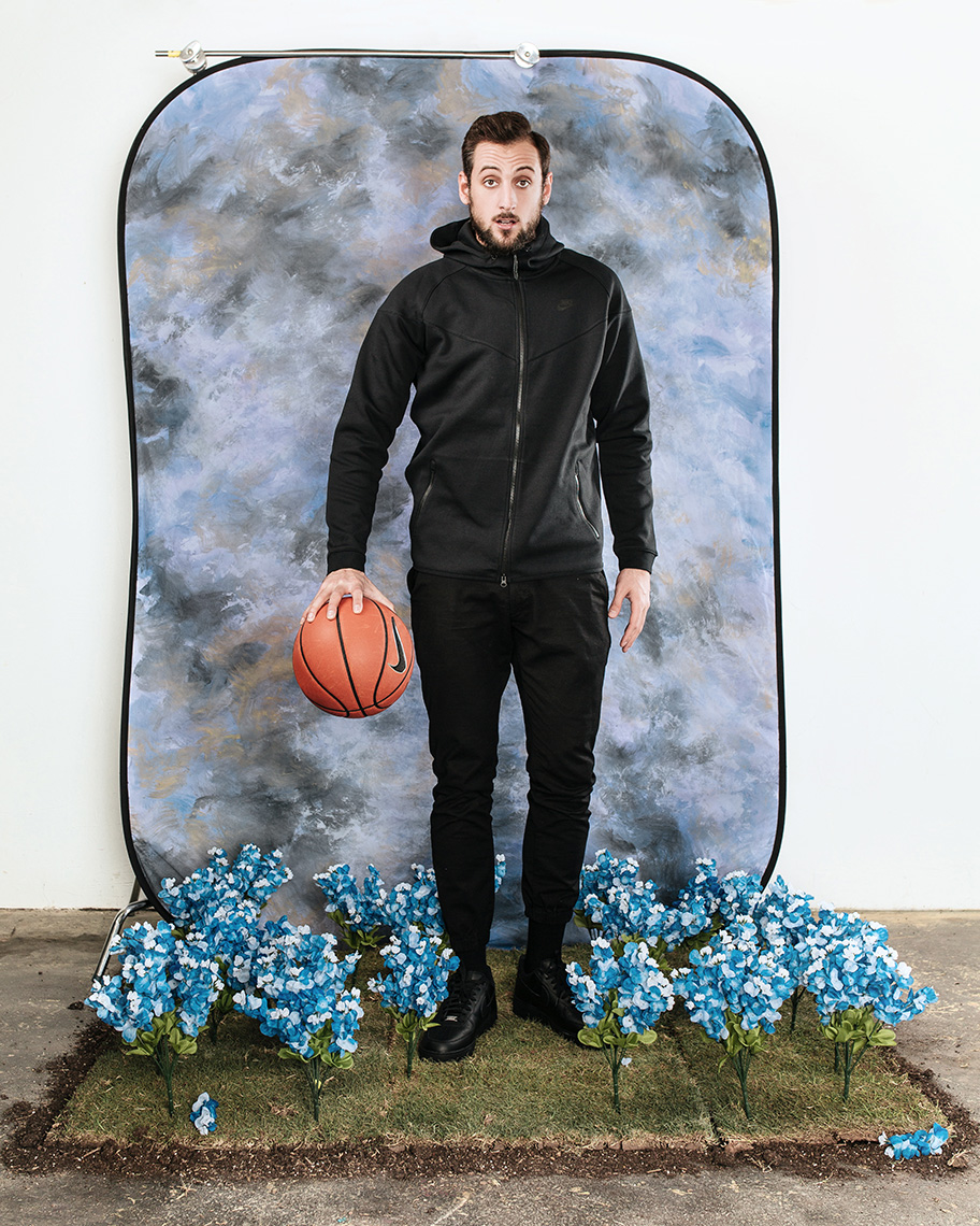 San Antonio Spurs player Marco Belinelli for L
